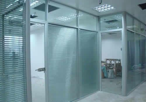 会议室夹百叶玻璃高隔