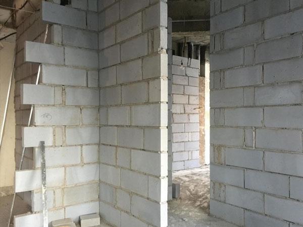 成都办公室加气砖隔墙施工