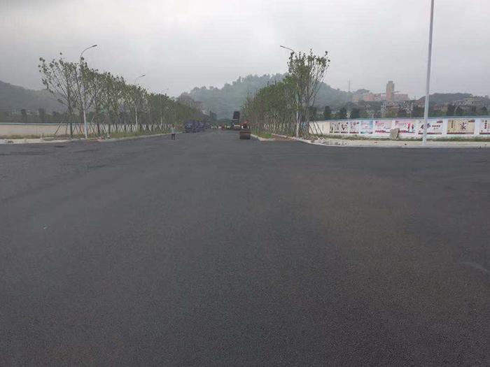 横一路沥青路面施工