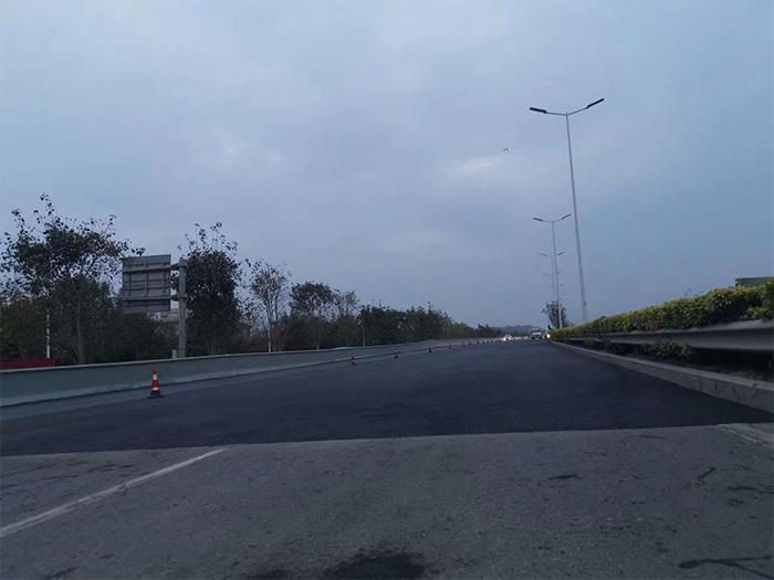 旧沥青路面加铺沥青