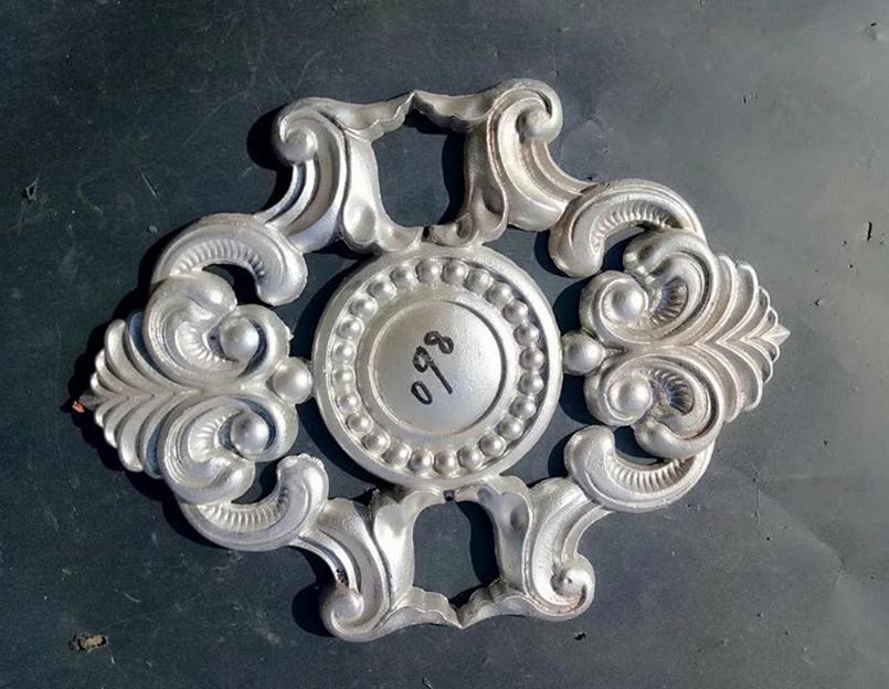 雕饰铝艺大门