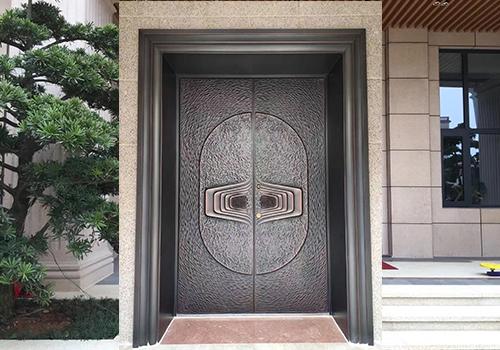 別墅鋁木裝甲門安裝完成展示