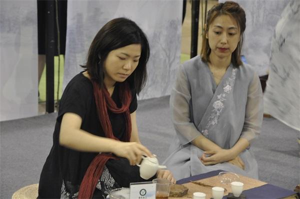 语均茶书院茶艺培训学员台湾-张恩维