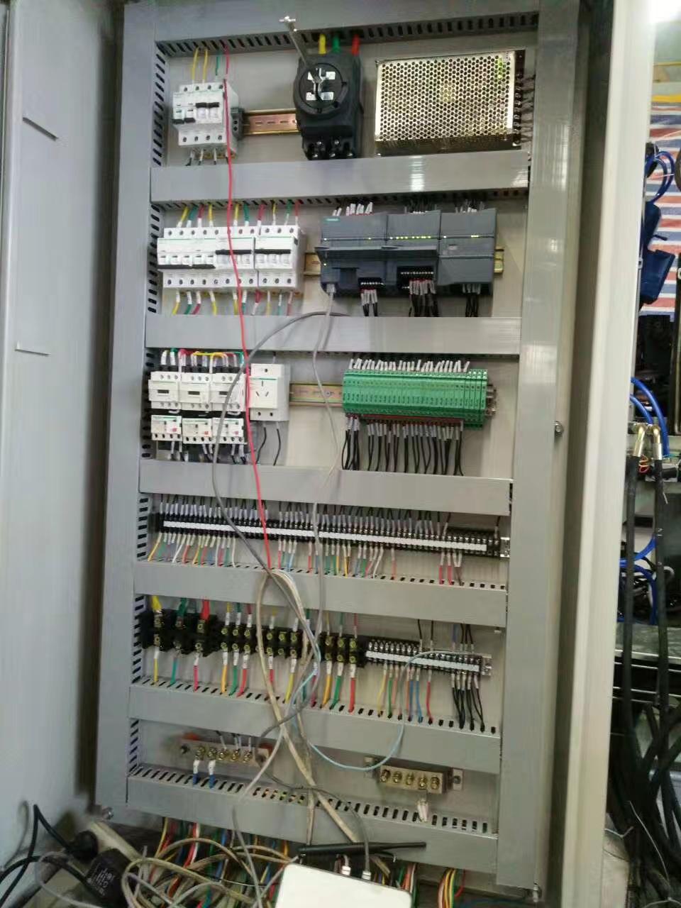 PLC控制柜现场调试
