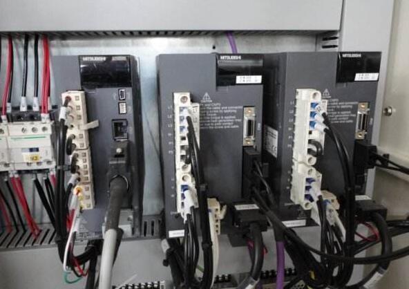 伺服电机驱动器一般保修多久,如何保养?