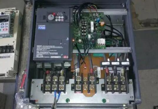 如何判断变频器维过程中判断元件的质量?