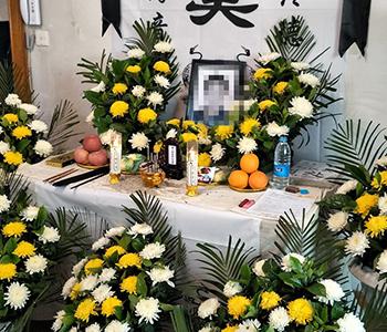 殡仪馆中大型告别仪式