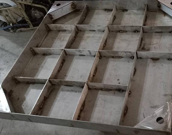 不锈钢井盖与铸铁井盖的区别是什么