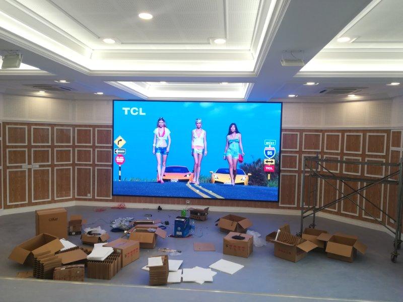 重庆四十七中学室内P4全彩led显示屏