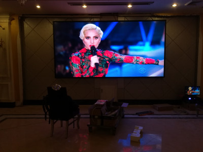 重庆两江宴府酒楼室内P4全彩LED显示屏