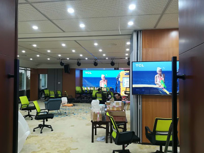 重庆渝北海王星室内LED显示屏P2.5全彩