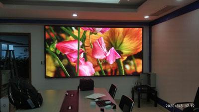 成都华润广场室内小间距LED全彩显示屏