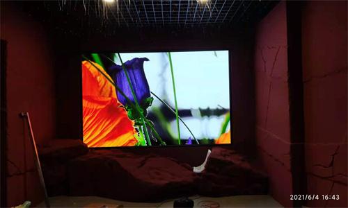某革命紀念館室內P2.5全彩顯示屏安裝調試完畢