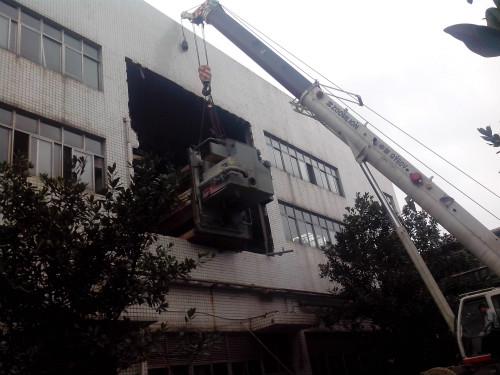 掌握大型设备搬运的技巧可以避免损坏