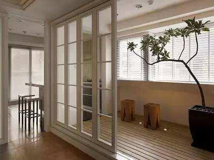 铝型材阳台门和别的材质门的对比