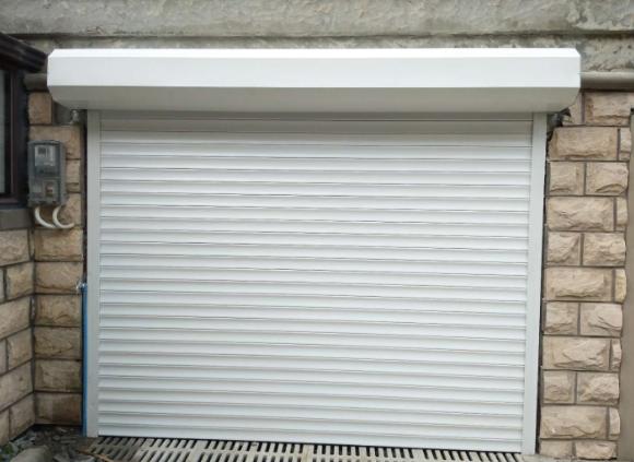 卷帘车库门的六大特点以及维修保养