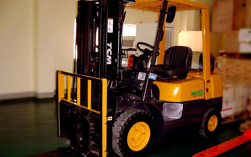 防止叉车漏油的具体方法介绍