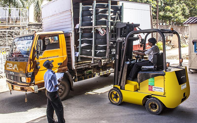 重庆3吨叉车出租