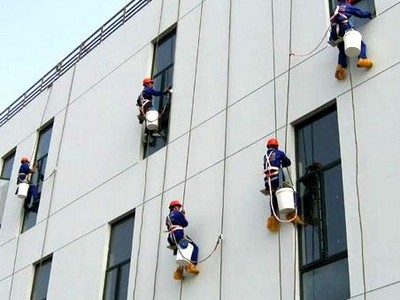 建筑外墙出现污渍我们应该怎样清洗呢?