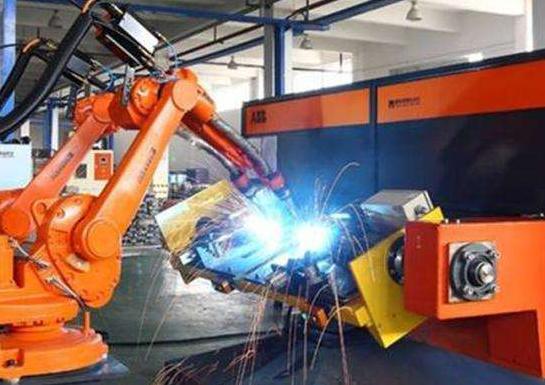 焊接机器人焊接是的注意事项