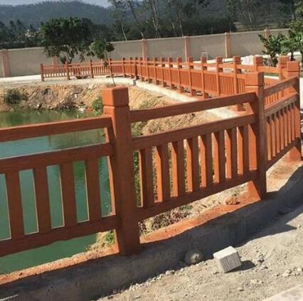 水泥仿木护栏的喷涂要点有哪些