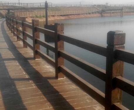 仿木护栏的质量好坏辨别方法
