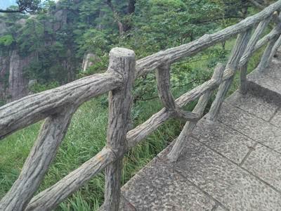 四川仿树皮栏杆价格