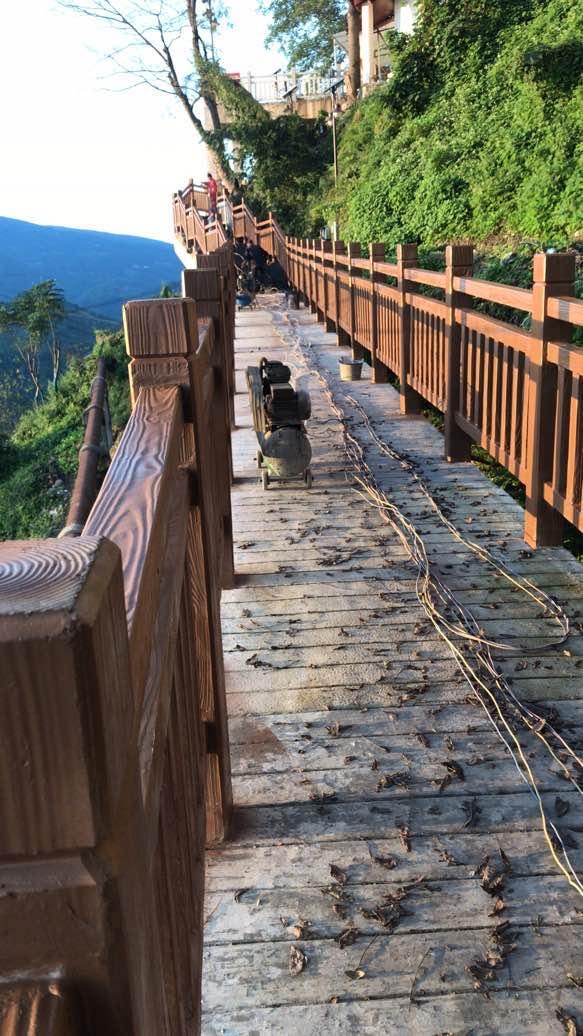 景区仿木栏杆安装