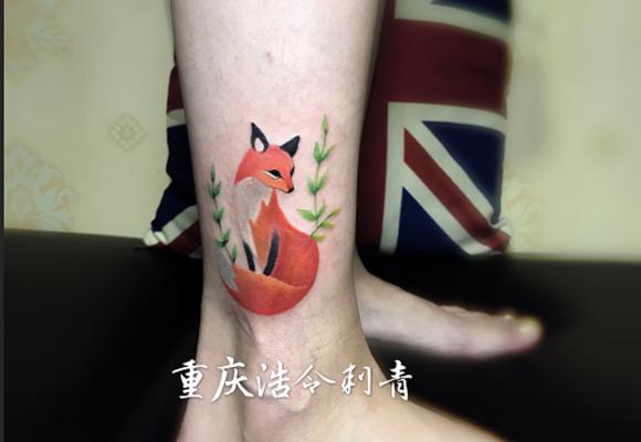 彩色狐狸纹身