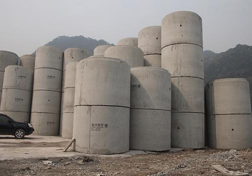 大型混泥土排水管