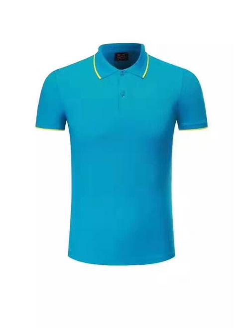 天蓝色T恤
