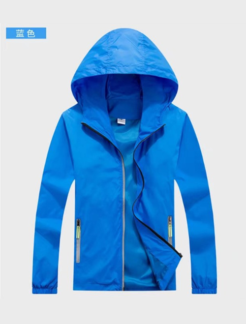 蓝色春秋风衣