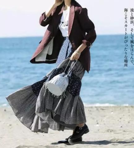 女士在搭配重庆西服时都有哪些搭配技巧呢