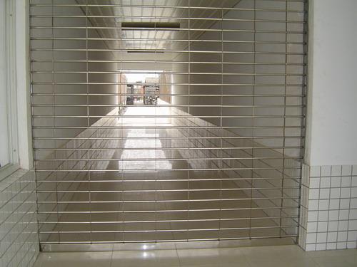 办公大楼网状不锈钢卷帘门