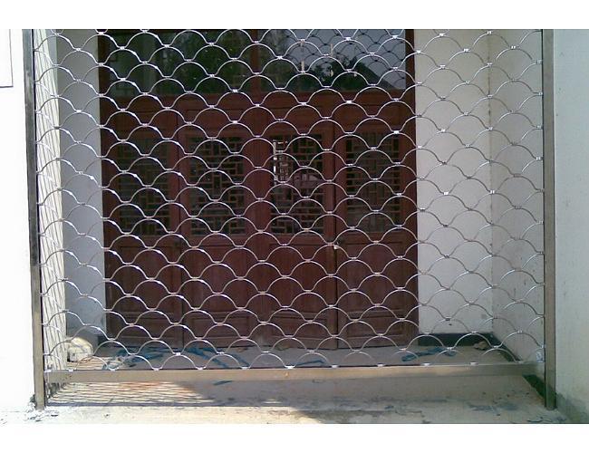 网状不锈钢卷帘门
