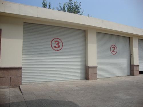 重庆某车库卷帘门安装