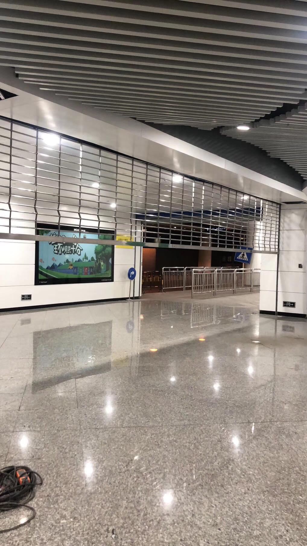 地铁站不锈钢网状卷帘门