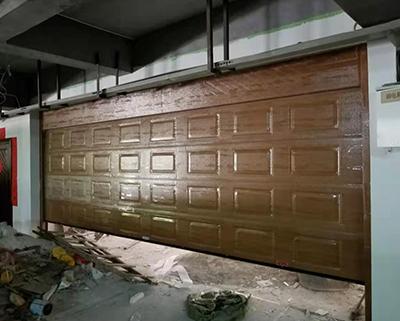 橡樹藍灣別墅區彩鋼車庫門安裝