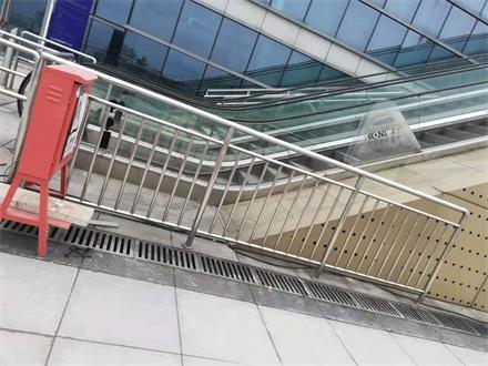 不銹鋼玻璃欄桿