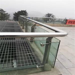 鐵藝圍欄所出示的標準線抄水準準確定位安裝