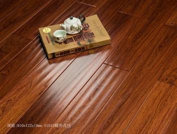 木地板暗淡无光的原因是什么