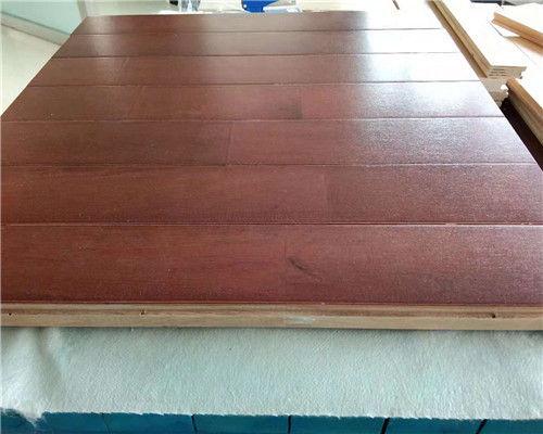 实木地板的材料要如何进行选择