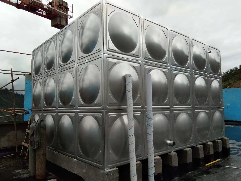 黔江站玻璃钢水箱