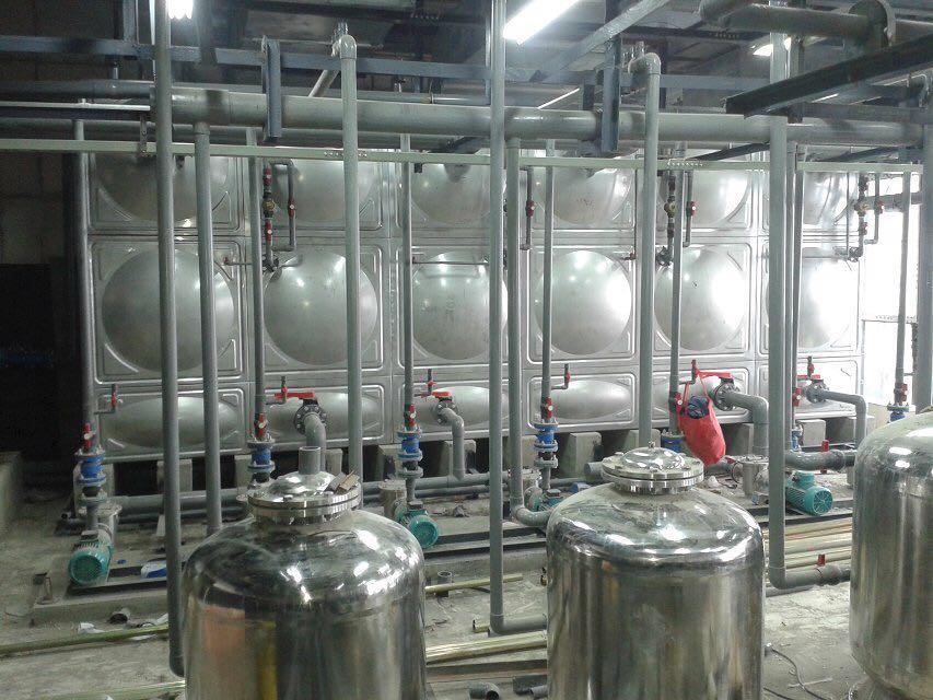 重慶不鏽鋼水箱安裝案例