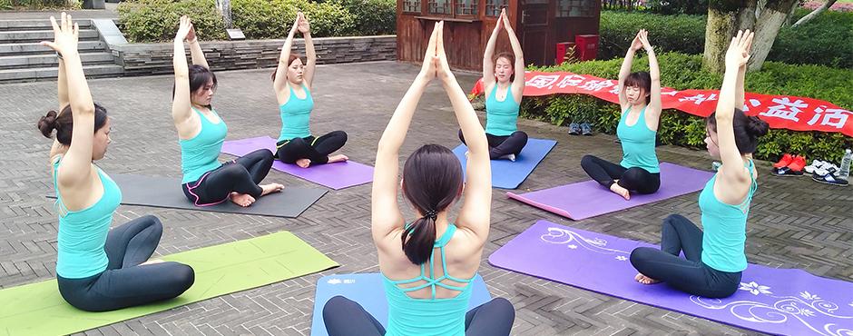 男生当瑜伽教练适合吗