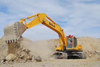 日立挖掘机热机动作变慢维修