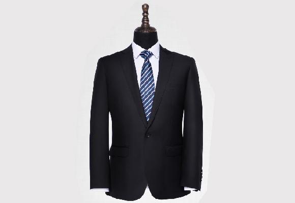谈谈关于男西装定制常犯的八个错误!