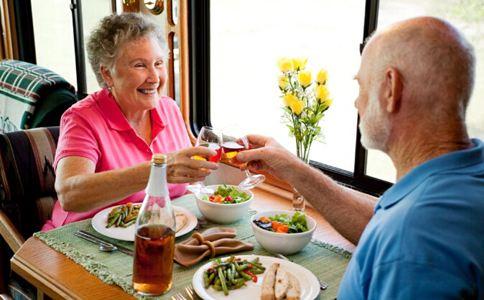 中老年人健康养生要留意哪些陷阱