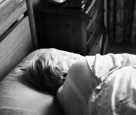 养老院怎样调度老人睡觉