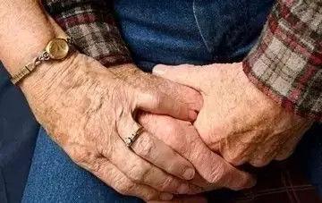 怎样用饮食控制老年人血管硬化